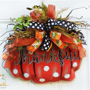 le-wreath-pumpkin-hanger