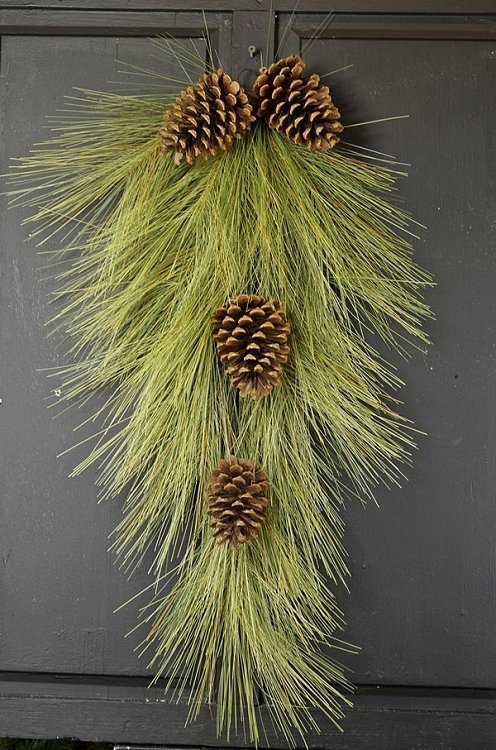 "Long Needle Pine Teardrop Swag - 30"""
