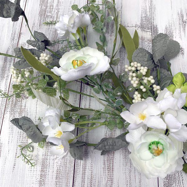 "Cream/Green Flower Spray - 24"""